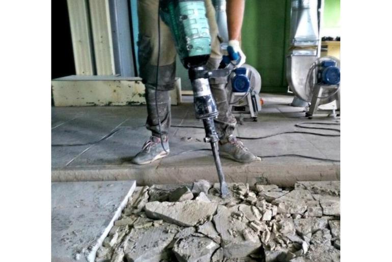 Демонтируем бетонную стяжку  в Рамони Воронежской области